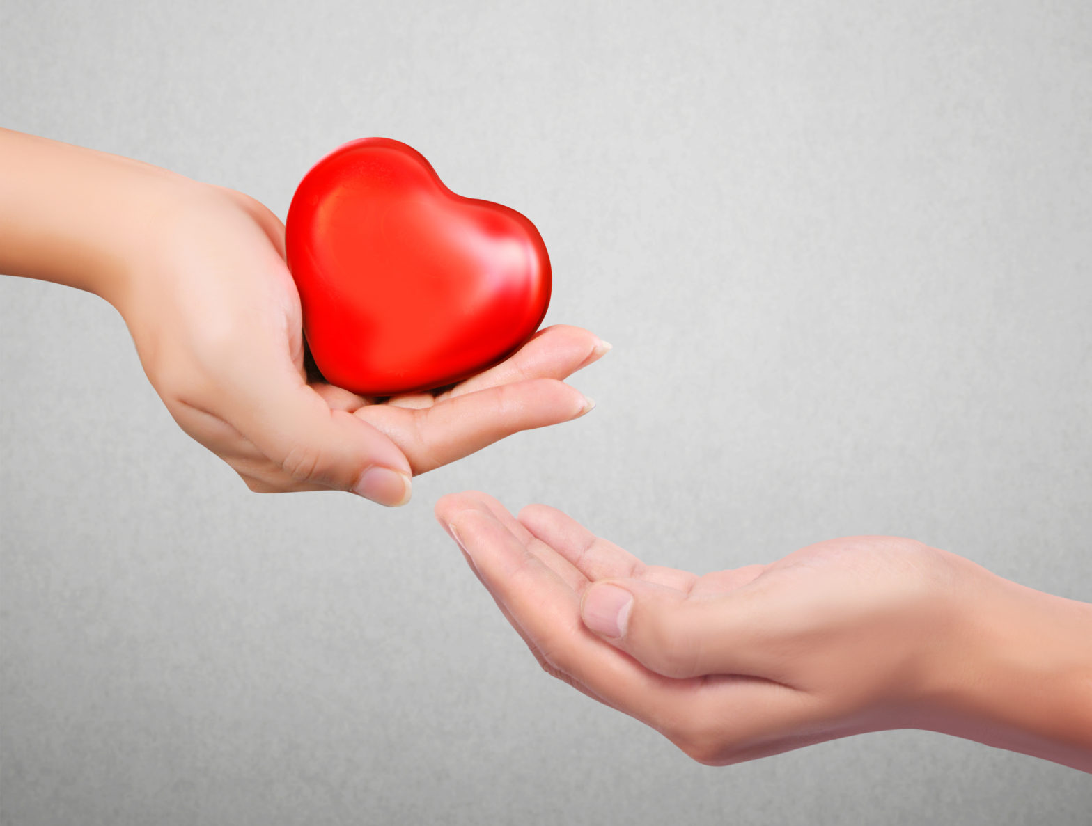 A hand holding a heart, giving it to someone else as a gift, 10 Tips for a Loving Relationship for Couples & the Lonely Hearts, Joanne Tan, 10PlusBrand.com